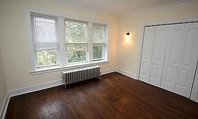 Bedroom, 6649 N Greenview Ave, 1