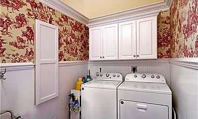 Bathroom, 1136 6th St S, 2