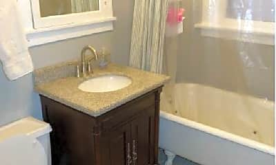 Bathroom, 2936 N Racine Ave, 0