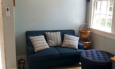 Bedroom, 400 Opelousas Ave, 1