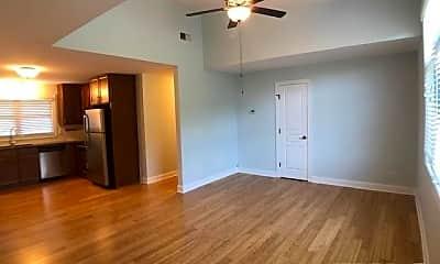 Bedroom, 605 N Greensboro St 3, 1