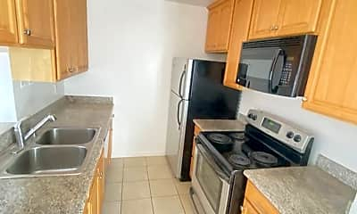 Kitchen, 1105 Capuchino Ave, 0