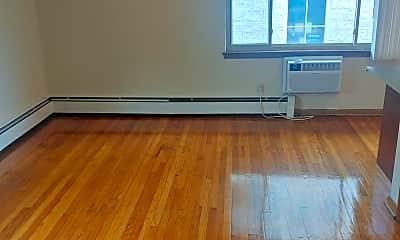 Living Room, 1112 E Knapp St, 2