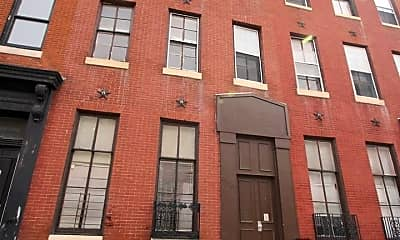 Building, 939 N Calvert St, 0