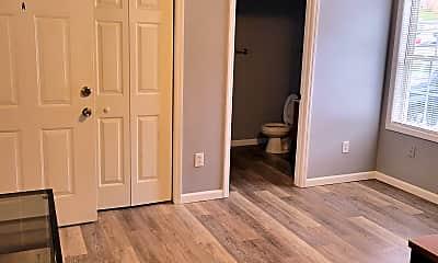 Bedroom, 1425 College Heights Rd, 1