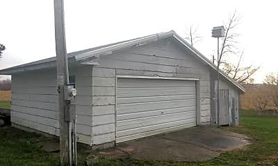 Building, E2170 1370th Ave, 2