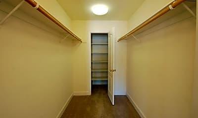 Living Room, 220 Merrydale Rd, 2