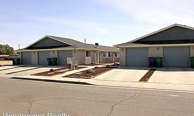 Building, 129 E Parkview Ave, 2