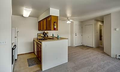 La Maisonnette Apartment Homes, 1