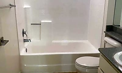 Bathroom, 3344 Castle Heights Ave, 2