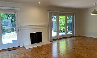 Living Room, 1320 Ridgewood Dr, 2