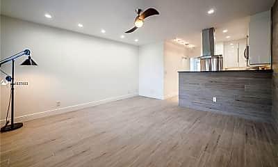 Living Room, 600 Layne Blvd 109, 0
