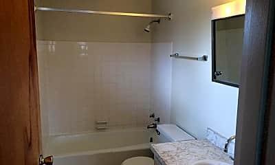 Bathroom, 2000 Woodlawn Ave NW, 1