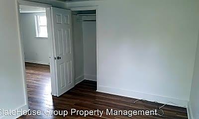 Bedroom, 534 W Market St, 2