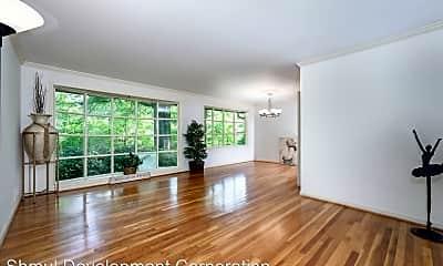 Living Room, 6728 Sulky Ln, 0