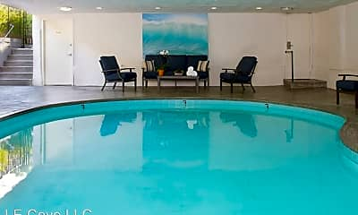 Pool, 937 3rd St, 2