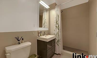 Bathroom, 148 W 121st St, 2