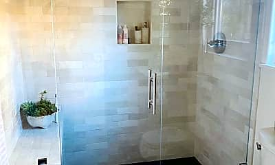Bathroom, 835 W Valerio St B, 1