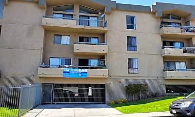 Building, 215 N Mariposa Ave, 1