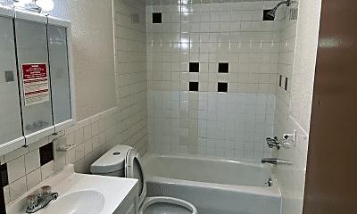 Bathroom, 99 Summit St, 1