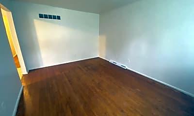 Living Room, 8818 Blewett Ave, 1