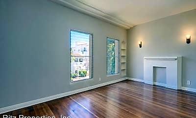 Living Room, 135 N La Peer Dr, 1