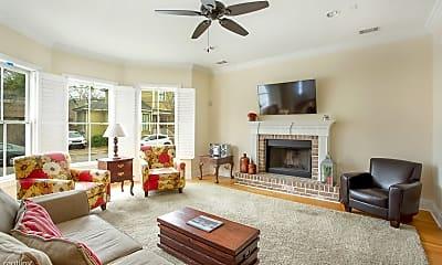 Living Room, 1111 Lincoln St, 2