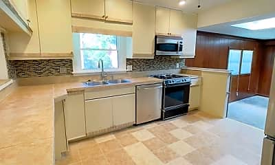 Kitchen, 4220 Heather Rd, 1