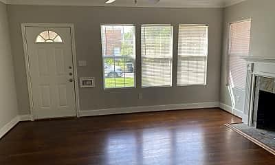 Living Room, 2915 Arbor St,, 1