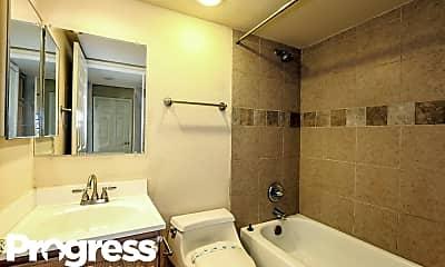 Bathroom, 7587 W Wikieup Ln, 2