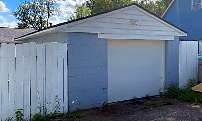 Building, 501 Clarendon Ave, 2