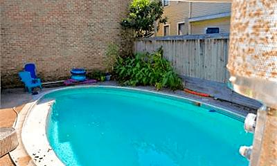 Pool, 406 Hawthorne St, 2
