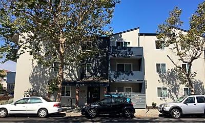 Oak Center Apartments, 0