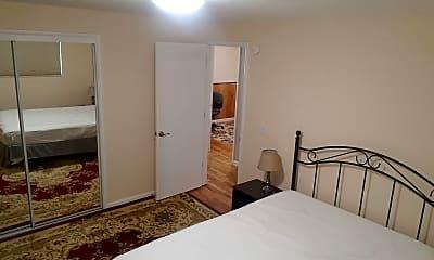 Bedroom, 506 N Washington St, 2