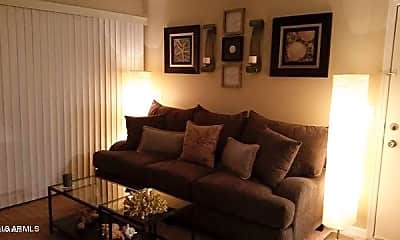 Living Room, 623 W Guadalupe Rd 139, 0