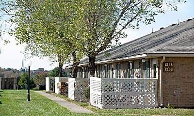 Building, Muirwood Village, 2