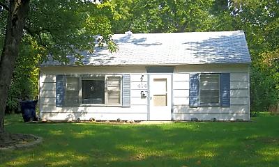 Building, 414 Fairview Dr, 1