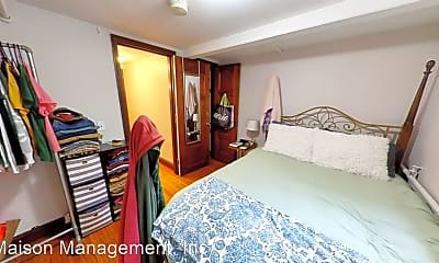 Bedroom, 117-125 Highland Pkwy, 2