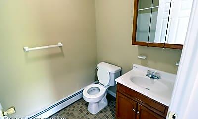 Bathroom, 105 Barbour St, 1