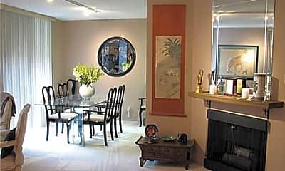 Woodland House Apartments, 2