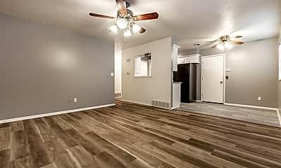 Living Room, 612 Leslie Dr, 1