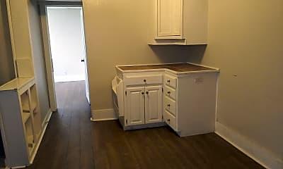 Kitchen, 609 S Carolina St, 1