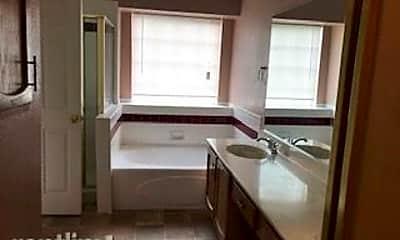Kitchen, 601 Creekfront Dr, 2