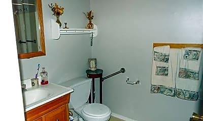 Bathroom, 309 N Lincoln Dr, 2