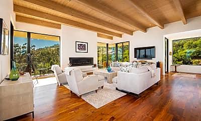 Living Room, 900 W Park Ln, 1