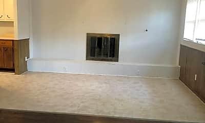 Living Room, 2904 S Fairfield St, 1