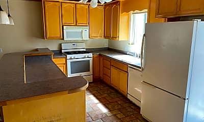 Kitchen, 1364 Knoll Ln, 2