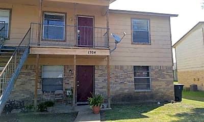 Building, 1704 Cedarhill Dr, 1