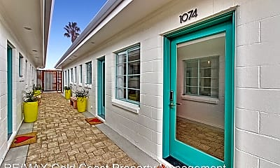 Patio / Deck, 1074 S Seaward Ave, 1