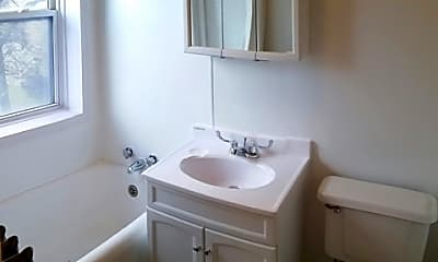 Bathroom, 710 E 2nd Street, 2